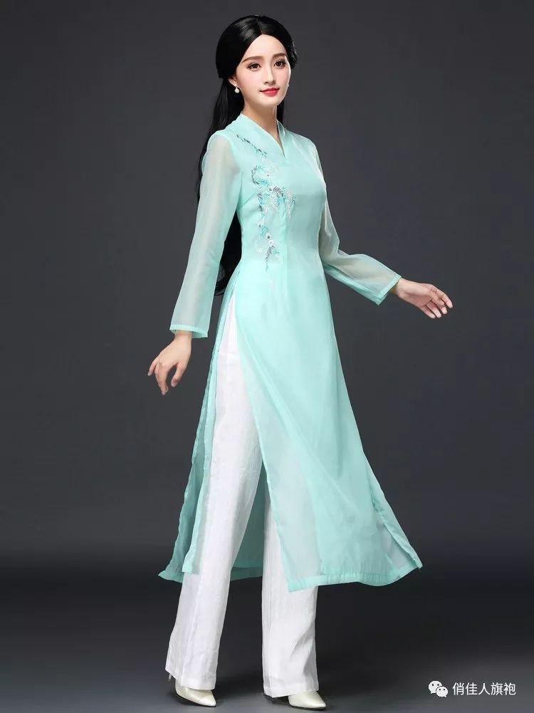 越南奥黛中国旗袍俏佳人旗袍和奥黛分别是中国和越南的国服这两种服饰看着有些相似其实旗袍跟奥黛还是有很大