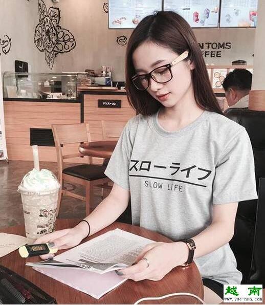 图为越南奶茶妹。