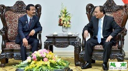 越南政府总理阮春福会见阿拉伯联合酋长