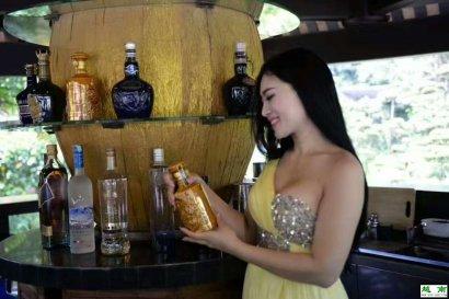 家喻户晓的广西东兴越南特产庞泰酒名不